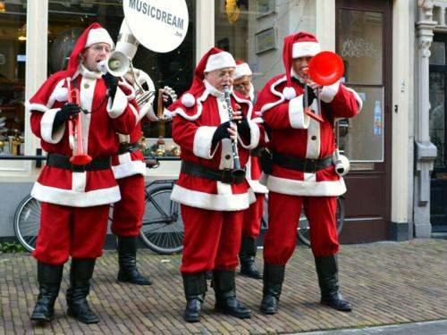 Kerstentertainment, Kerstman, Kerstman op bezoek, Kerstman inhuren, winkelcentrumpromotie